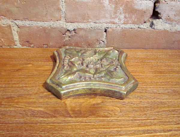 Antique Style Gold Wall Plaque Decorative Ceramic