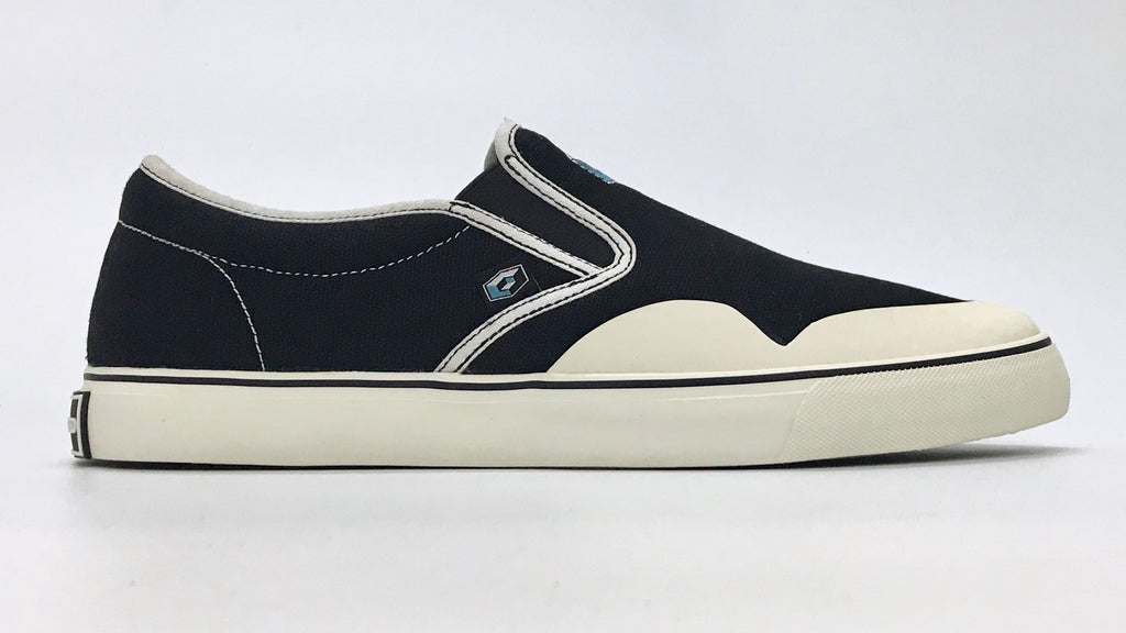 New Canvas Cube Slip On BS5