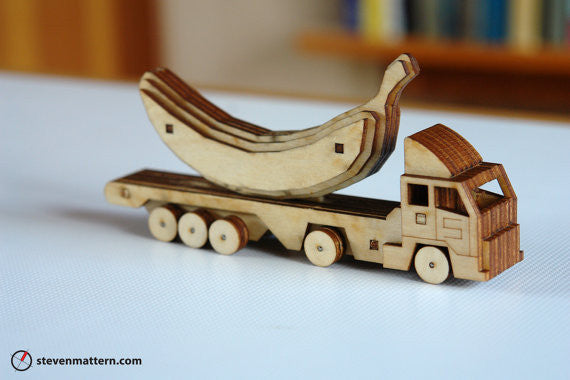 Build Your Own 18 Wheeler Toy Kit