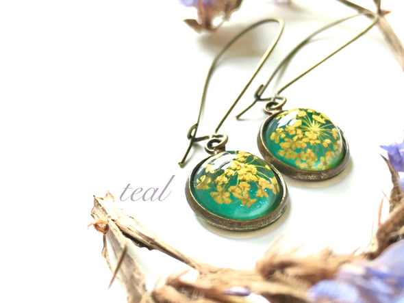 Queen Anne's Lace Small Resin Drop Earrings