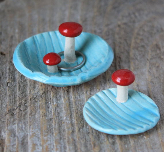 Wood Grain Pottery Tray with Double Mushroom - Aqua