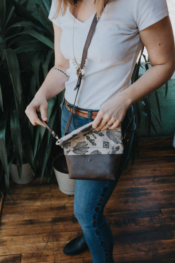 Cactus Cross Body Bag in Black
