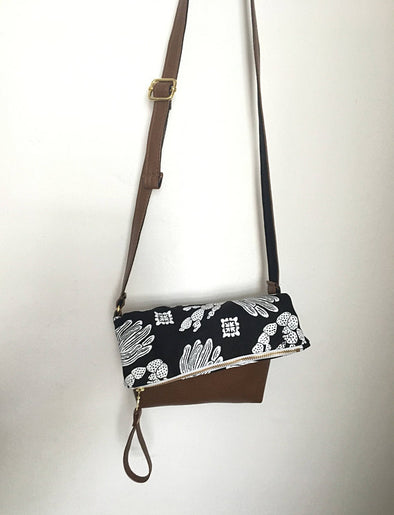 Cactus Cross Body Bag in Black - WATERBURY