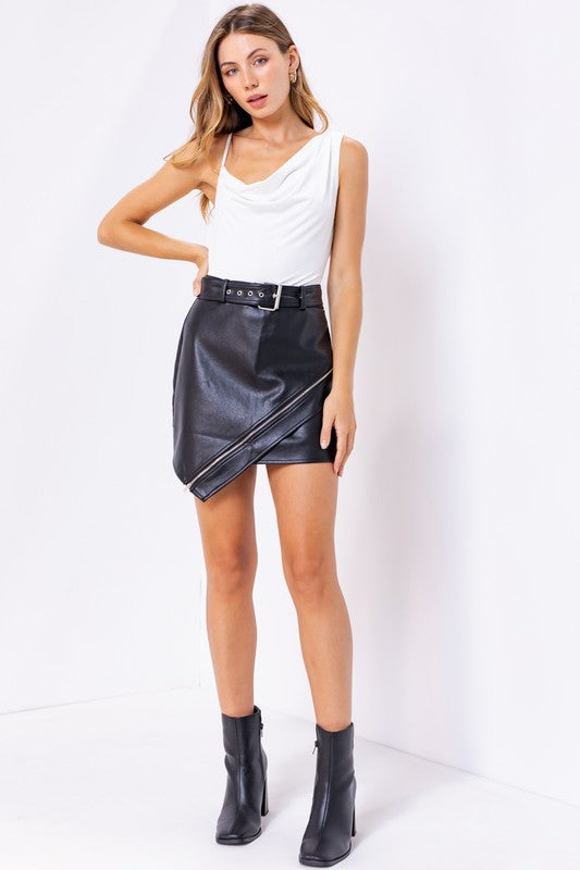 POINT TAKEN LEATHER SKIRT