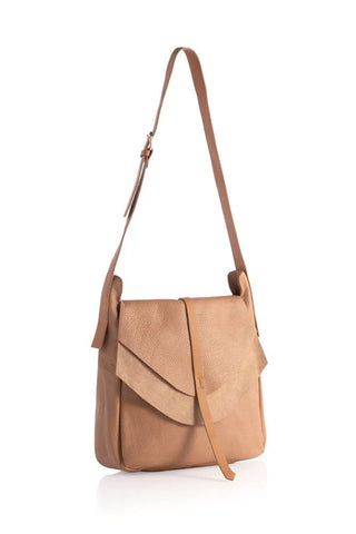 ARDEN MESSENGER BAG - TAN
