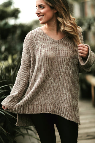FALLING FOR YOU SWEATER
