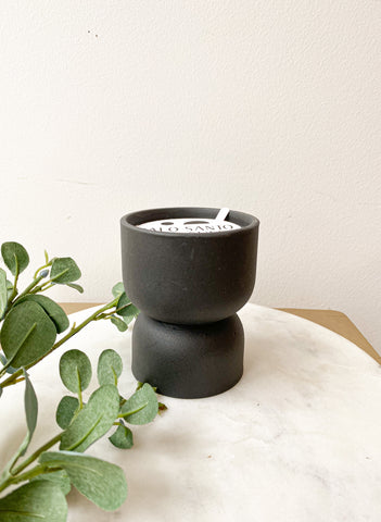 HOURGLASS TEXTURED CANDLE - BLACK MATTE
