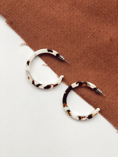 TORTOISE HOOPS IN COCO CREAM