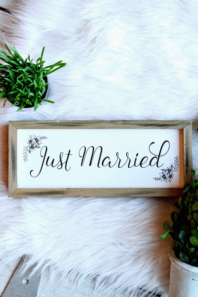 JUST MARRIED FRAMED SIGN