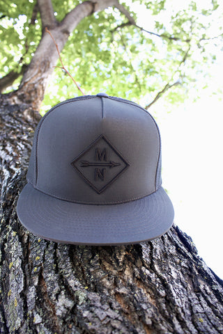 MN DIAMOND GRAPHIC HAT