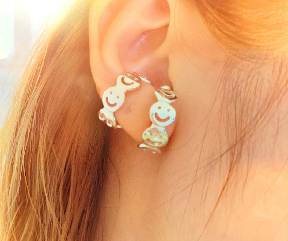 Smile Abundance Cuff Earring And Ring With Diamonds In Eyes And Smiles