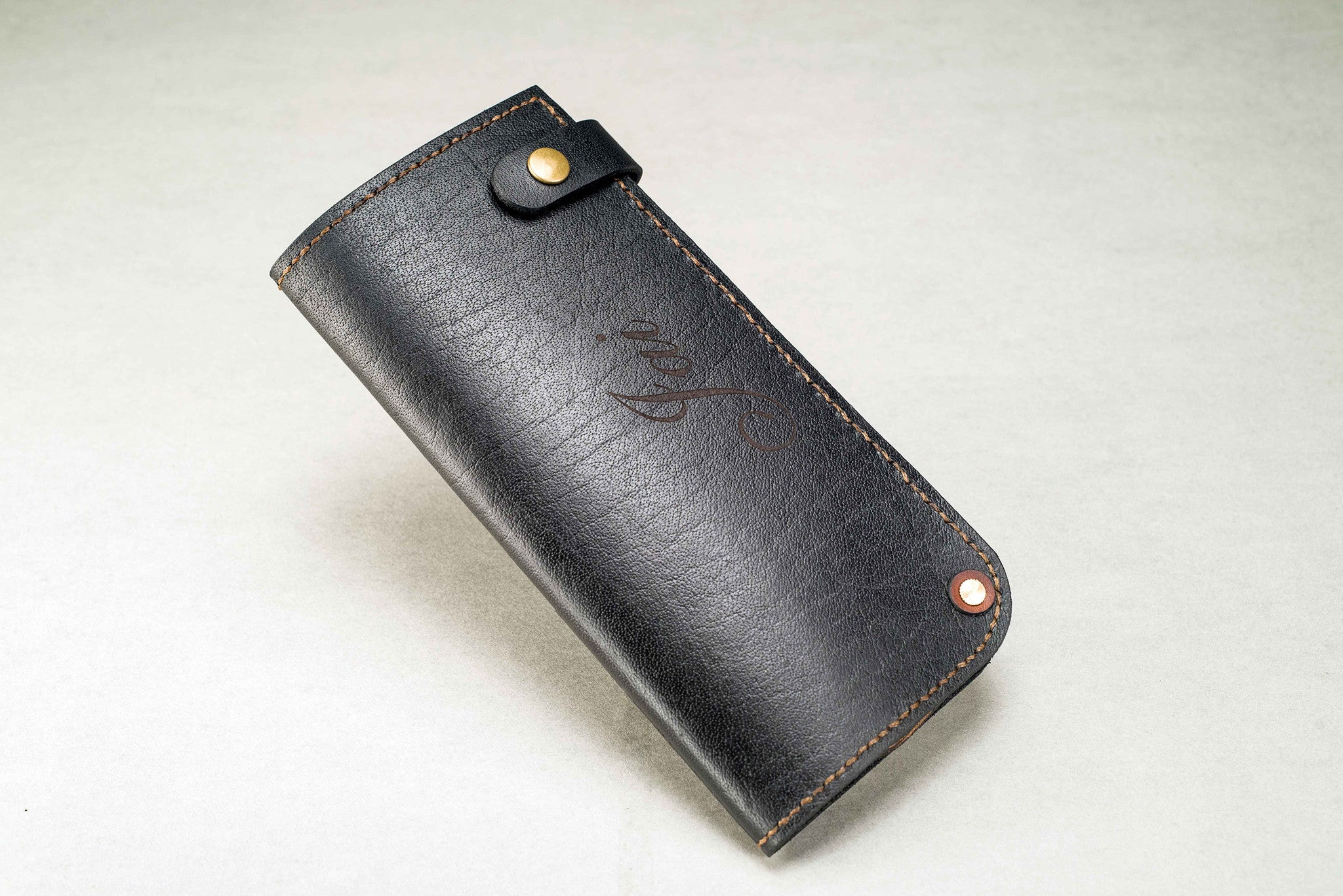 Unisex Clutch - Free Engraving - Two Horns