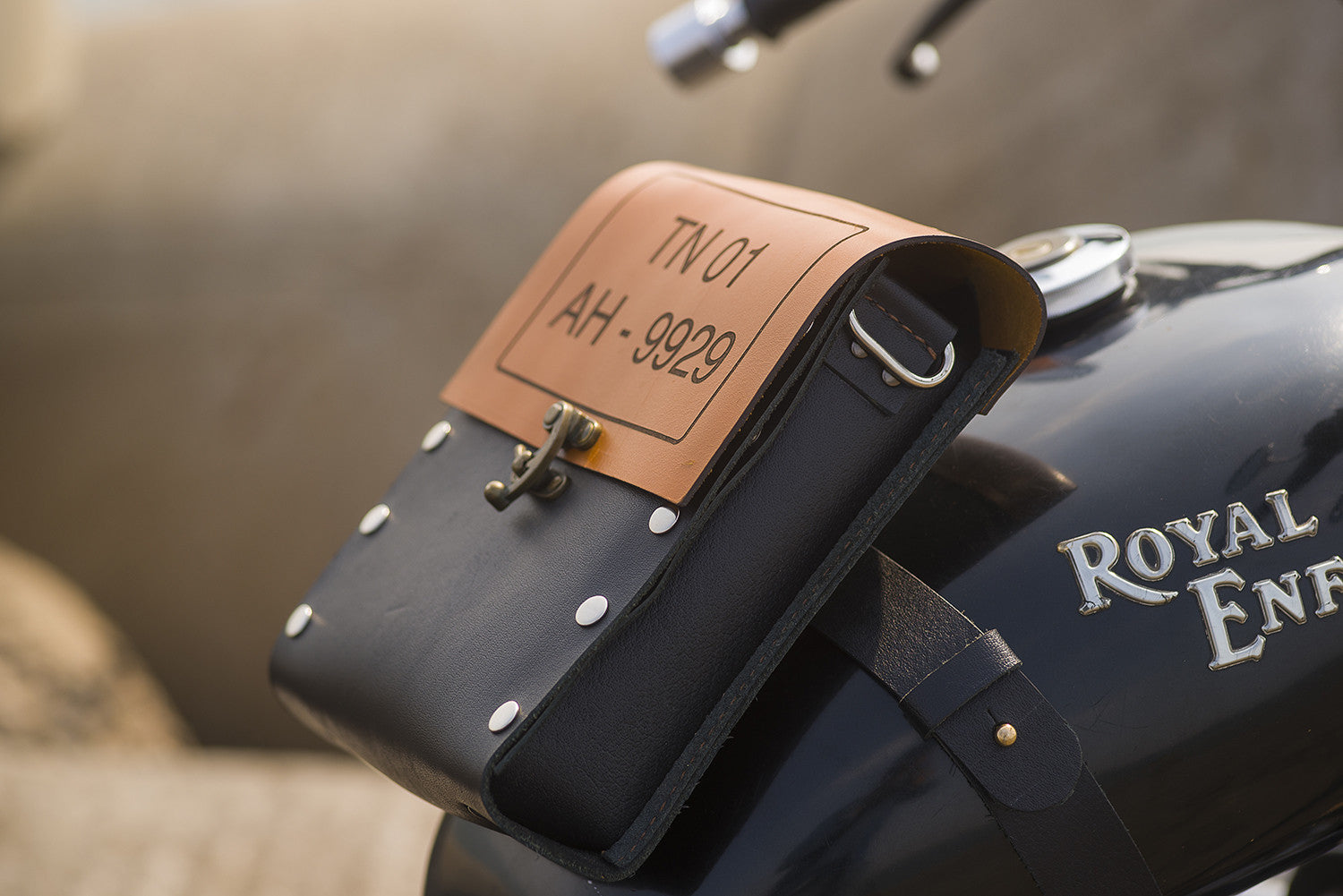 Biker - Tank Bag #BTE - Two Horns