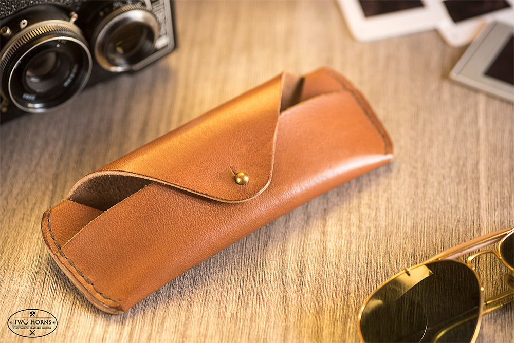 LEATHER SUNGLASS CASE - BROWN - Two Horns