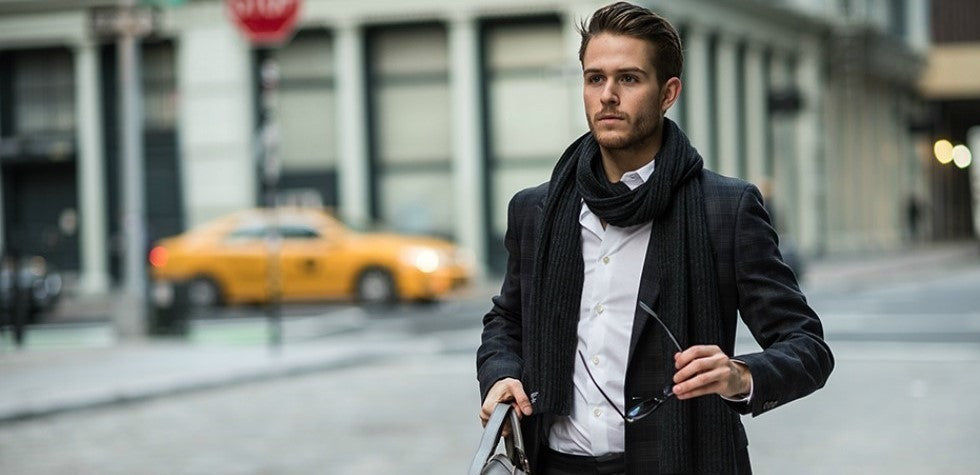 3 Easy Ways to Tie a Scarf This Winter