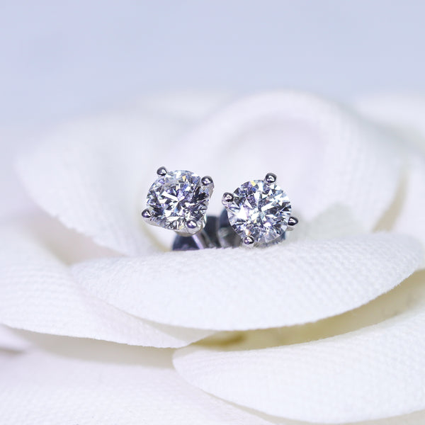 (Pre-Order) 18ct White Gold CVD Diamond Studs