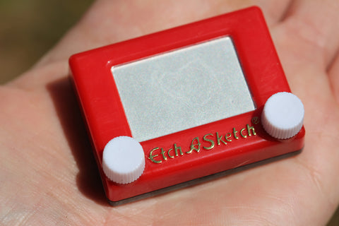 World's Smallest Toys Etch A Sketch