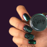 Mitty SUPER Chrome Nail Art Powder- Emerald