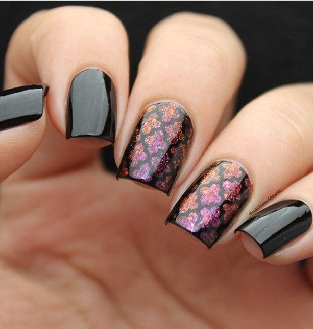 Mitty Shattered Plum Nail Art Powder