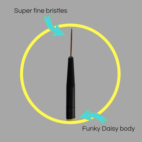 Mitty Nail Art Detail Brush- Daisy 1.0