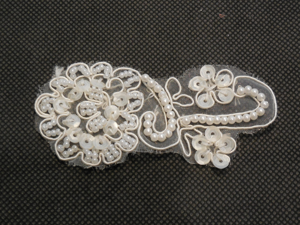 ivory sequins beads floral lace Applique / shoes lace motif in small size8x3.5cm