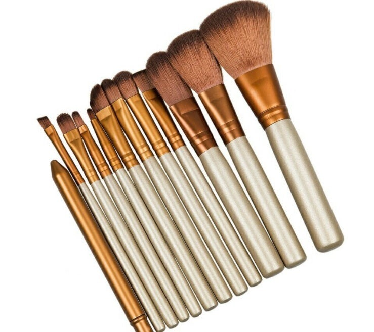 Professional 12 makeup brushes set Foundation blending powder brush with a FREE tin box