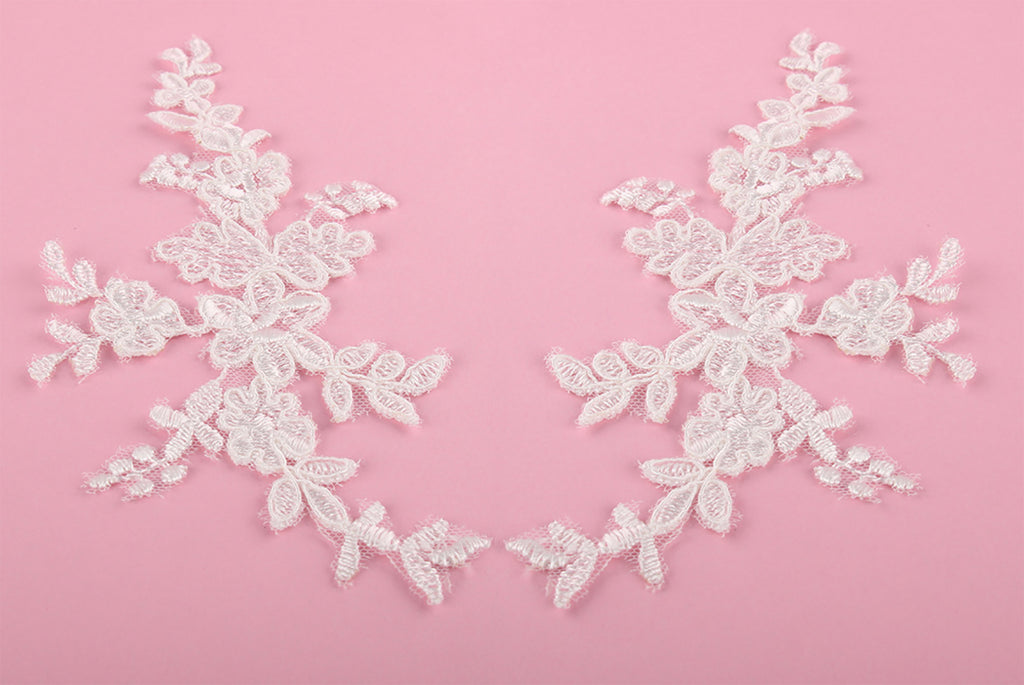 Craftuneed A mirror pair match pair of ivory floral lace applique sew on flower tulle lace motif patch