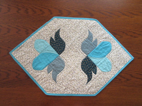 Hearts a Flutter - Placemats - Store Sample
