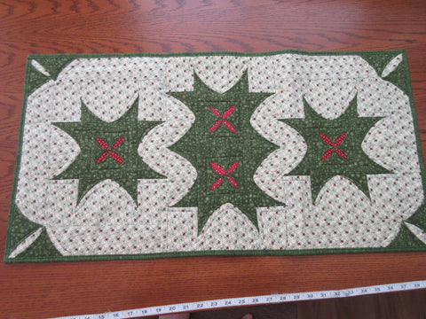 Leaf Stars and Berries - Southwind Designs - Store Sample