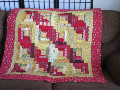 Log Cabin Christmas Quilt.Christmas Log Cabin Red And Yellow
