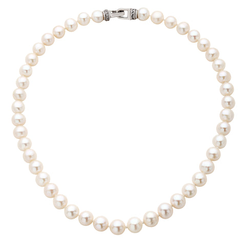 string of pearl necklace