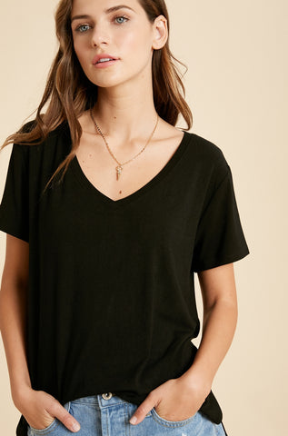The Relaxed Vneck - Black