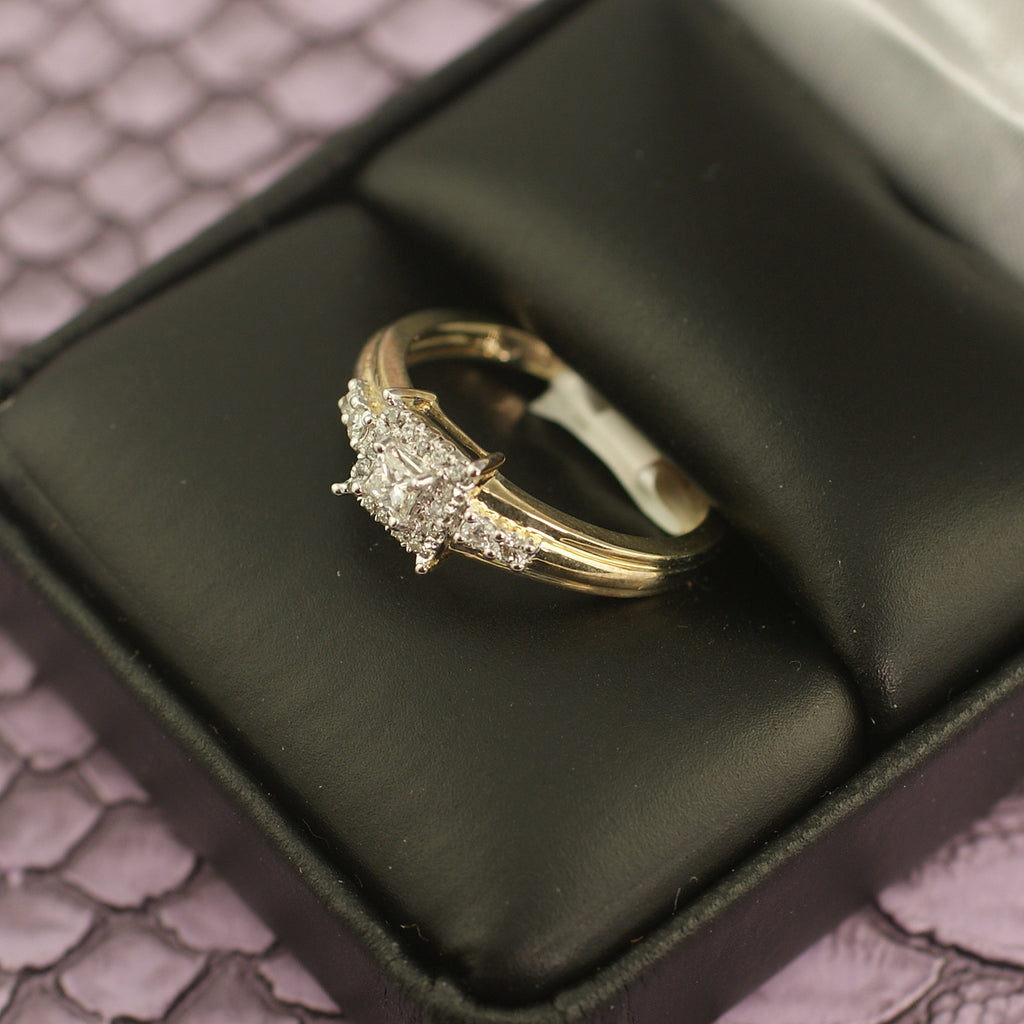 0.28 Carat Diamond Princess Cut Gold Engagement Ring