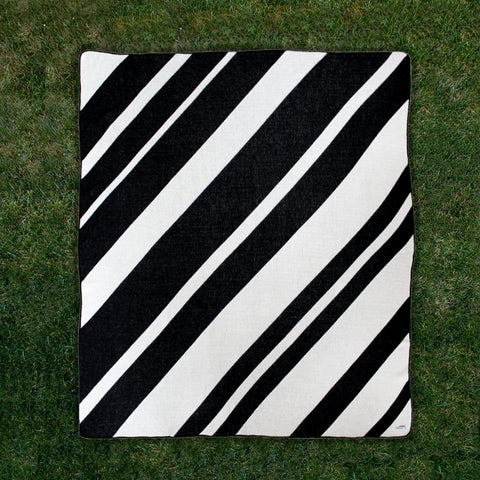 Horizontal Stripes Throw
