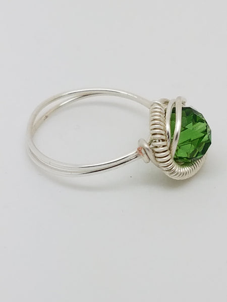 Green Swarovski Crystal Ring - handcrafted Jewelry Luzjewelrydesign