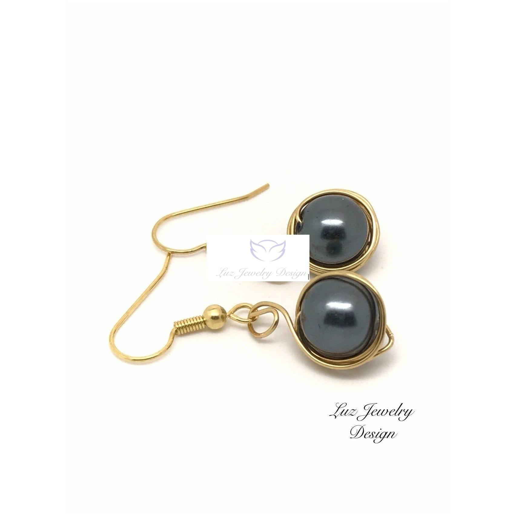 Black Pearl Earrings - Dangle Earrings - handcrafted Jewelry Luzjewelrydesign