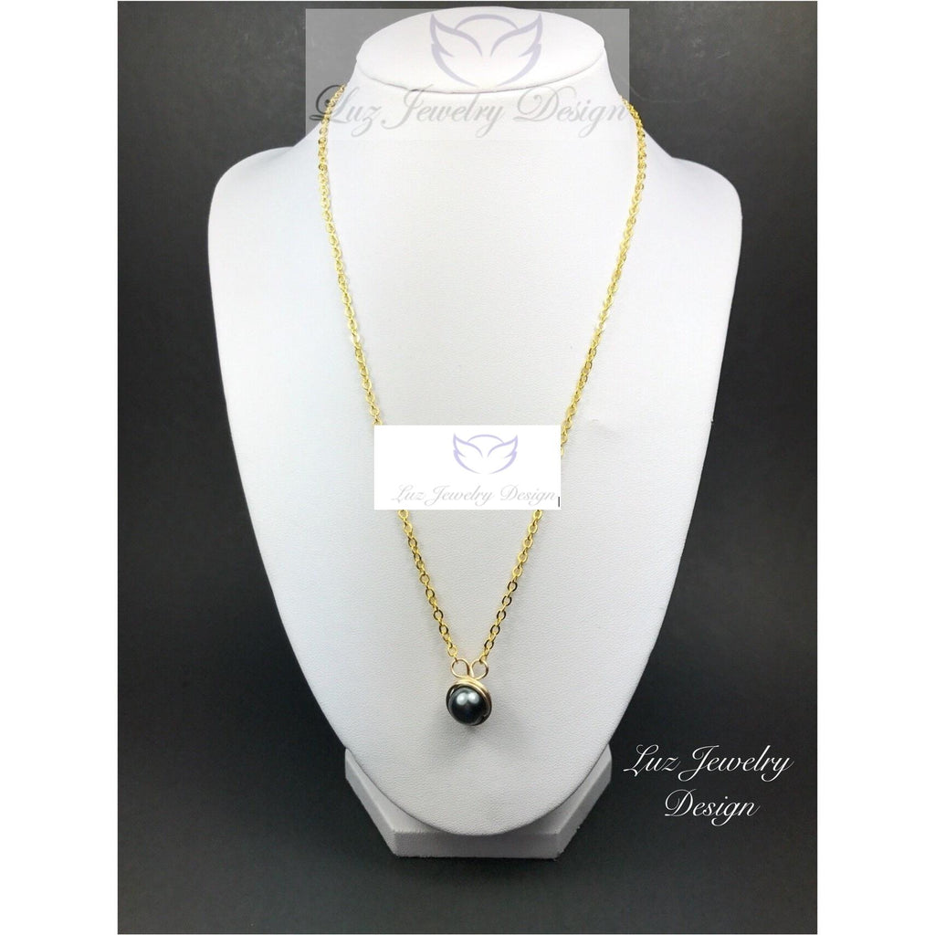 Black gold necklace - minimist necklace
