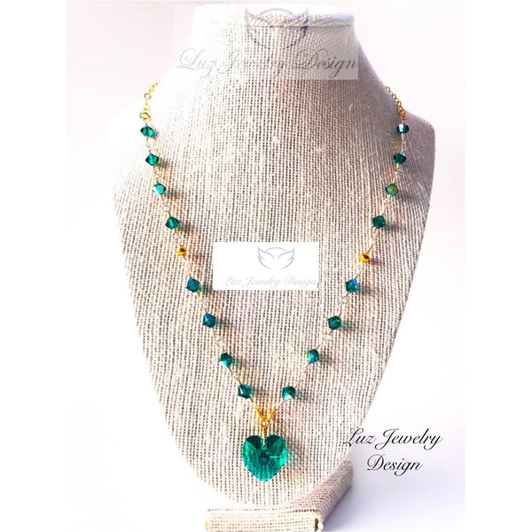 Green Swarovski necklace - Dark green jewelry - handcrafted Jewelry Luzjewelrydesign