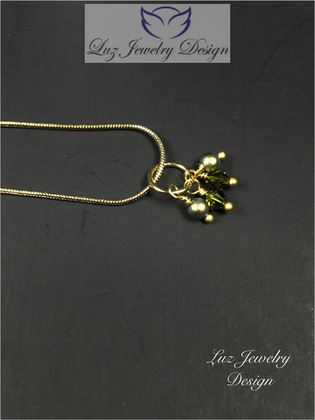 Lime green necklace - light green jewelry - handcrafted Jewelry Luzjewelrydesign