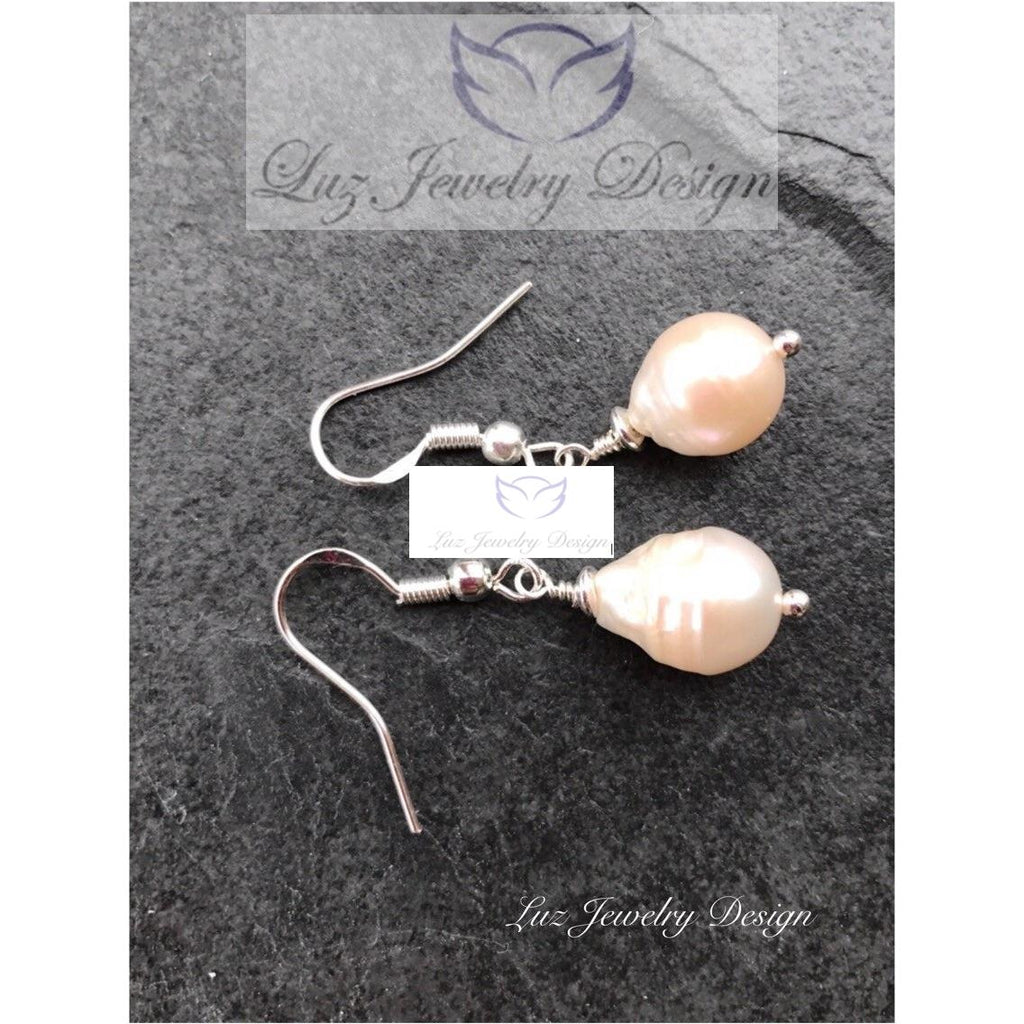 Pink freshwater pearl earrings - Pink pearl earrings, - handcrafted Jewelry Luzjewelrydesign