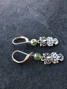 Silver Owl Green Earrings - Owl Jewelry - Luzjewelrydesign