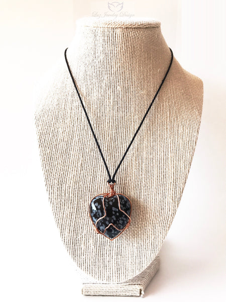 Black Heart Wire Wrapped Glass Necklace - handcrafted Jewelry Luzjewelrydesign