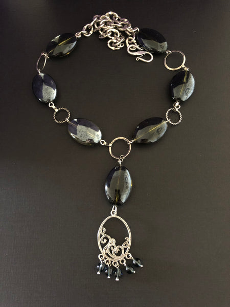 Black Necklace - handcrafted Jewelry Luzjewelrydesign