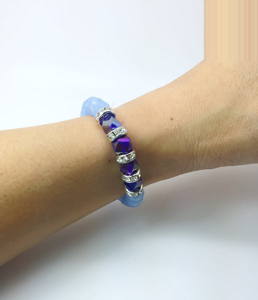 Light blue stretching bracelet - handcrafted Jewelry Luzjewelrydesign