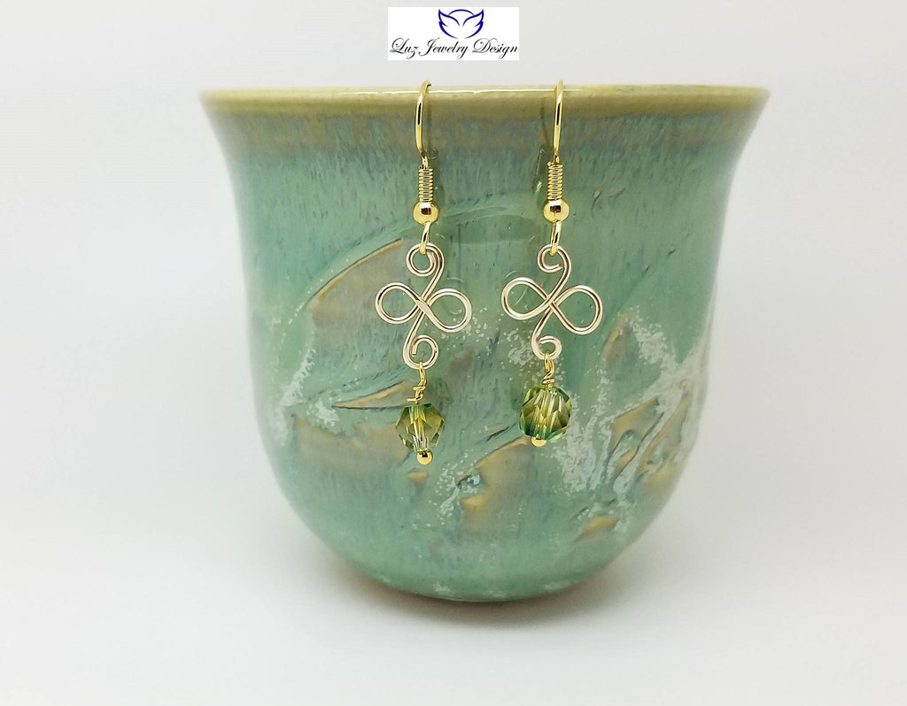 Pale green earrings - light green and gold - handcrafted Jewelry Luzjewelrydesign