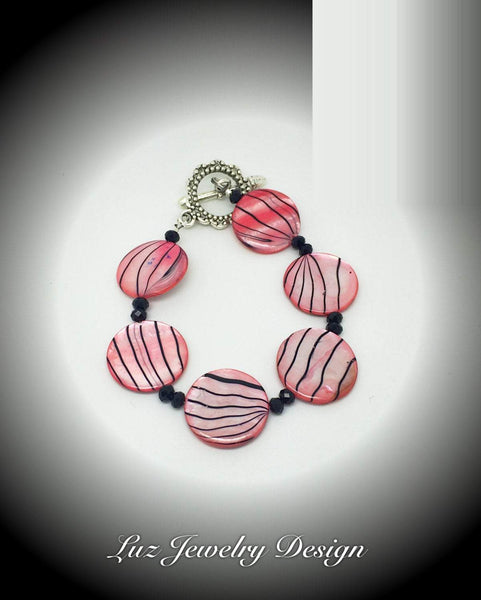 Red Shell Bracelet, coin red shell, Red Flat Shell Braceler, flat shell bracelet, red shell jewelry, red Zebra Stripe, coin red shell