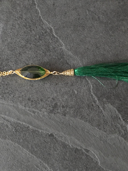 Green Tassel Gold Necklace - handcrafted Jewelry Luzjewelrydesign