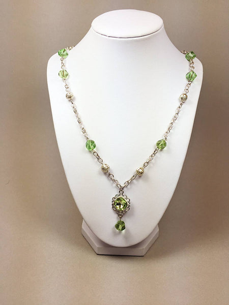 Green necklace - handcrafted Jewelry Luzjewelrydesign