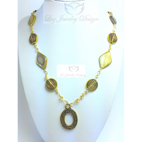 Gold mother pearl shell wire wrapping necklace - handcrafted Jewelry Luzjewelrydesign