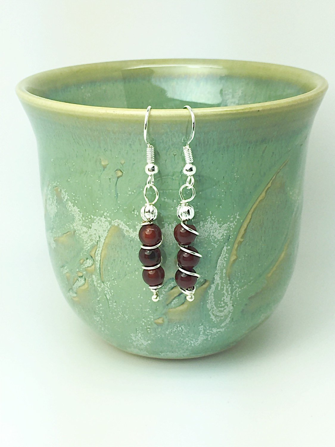 Energizing garnet earrings - handcrafted Jewelry Luzjewelrydesign